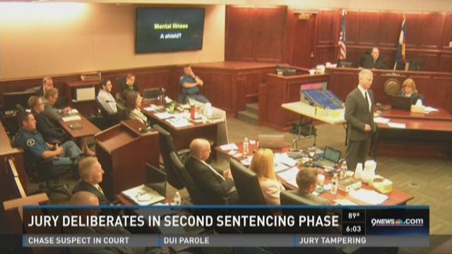 Jurors deliberate in second phase of sentencing